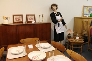 """""""Agnes"""" havde dækket op ved spisebordene"""
