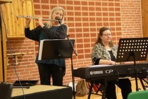 Tine Lilholt og Elisabeth Svenstrup underholdt med et smukt og varieret musikalsk program