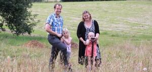 Familien Maria og Martin Kjærgaard Jensen med børnene Emilie og Ida ser frem til at flytte til Suldrup, så snart deres nybyggede drømmehus står klar til indflytning.
