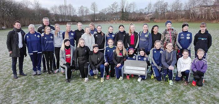 Pengeregn over pigefodbolden i Støvring IF