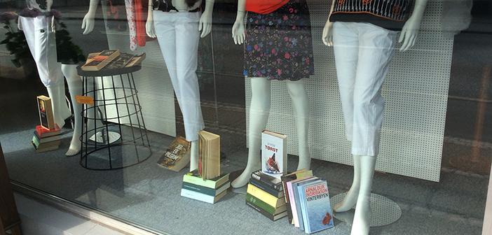 Bliv klædt på til sommerferien med tøj og bøger i nyt samarbejde - Vores Avis
