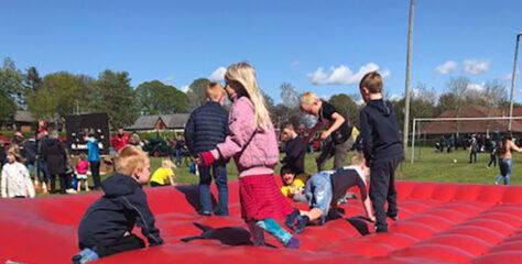 Flot og velbesøgt Store Legedag med over 400 deltagere i Kirketerp