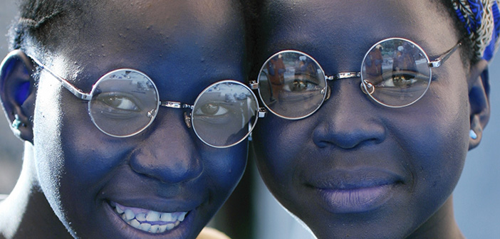 bfc631bc8483 Politikerne vil ha  din stemme – Lions vil gerne ha  dine briller og sende  dem til Afrika
