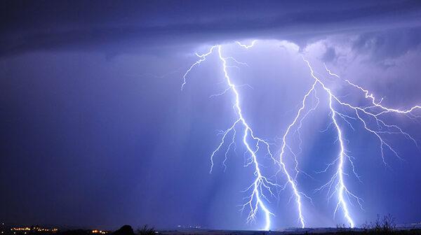 Et godt boligråd i tordenvejr: Træk stikket når det buldrer og brager