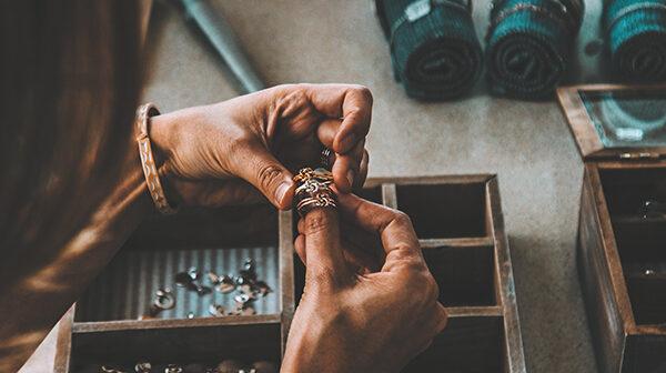 75 % af danskerne har ikke styr på værdien af deres smykker – har DU..?